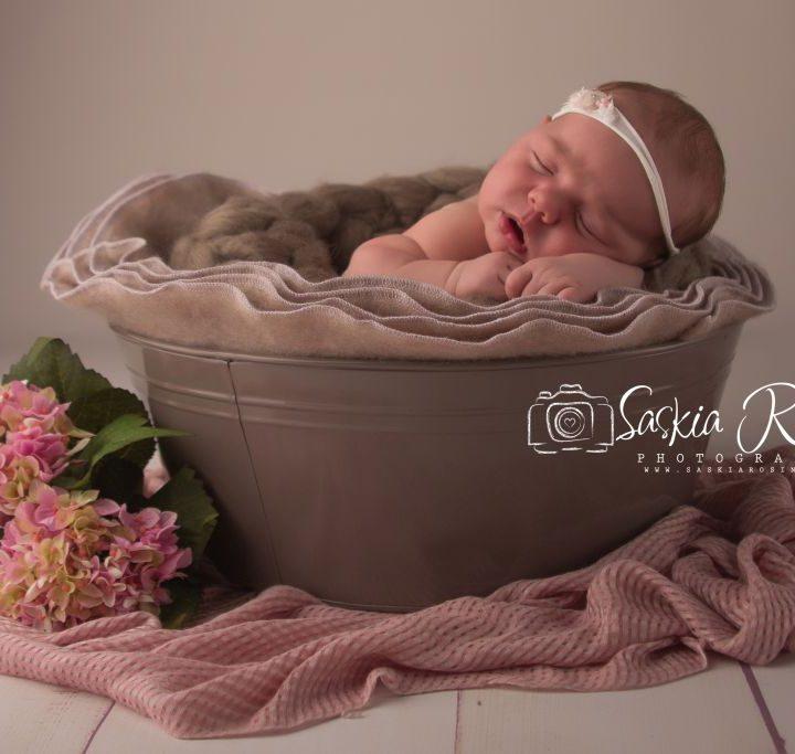 Mia, 14 Tage jung | Babyfotos Backnang